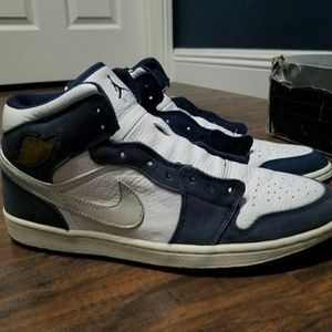 2001 Jordan 1 (navy/metallic)